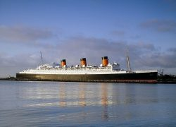 queen-mary-725954_640
